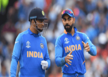 Is Virat Kohli becoming too selfish in not letting MS Dhoni retire?
